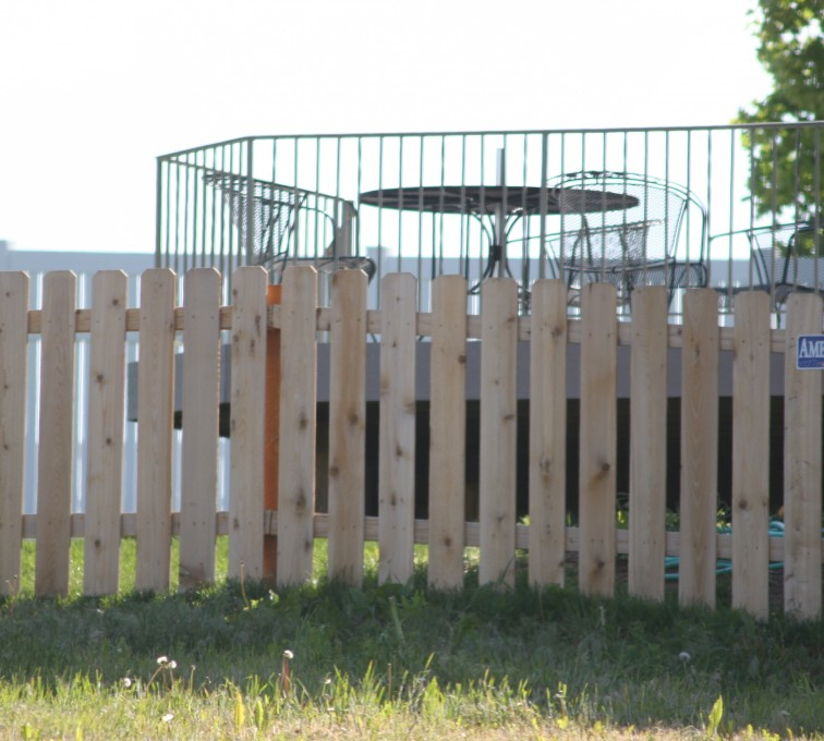 The American Fence Company - Wood Fencing, 1003 4' picket