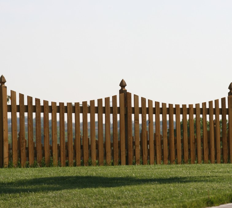 The American Fence Company - Wood Fencing, 1005 4' underscallop picket