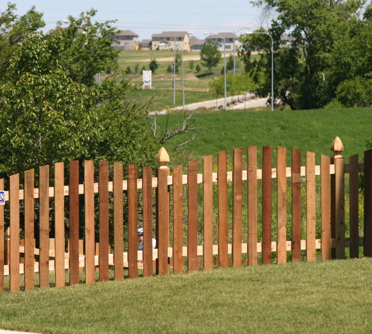 The American Fence Company - Wood Fencing, 1025 4' Overscallop Picket