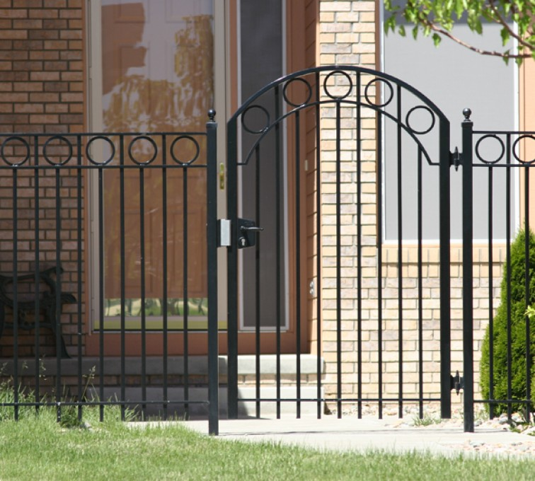 The American Fence Company - Custom Gates, 1312 4' Over Arch Walk gate with circles