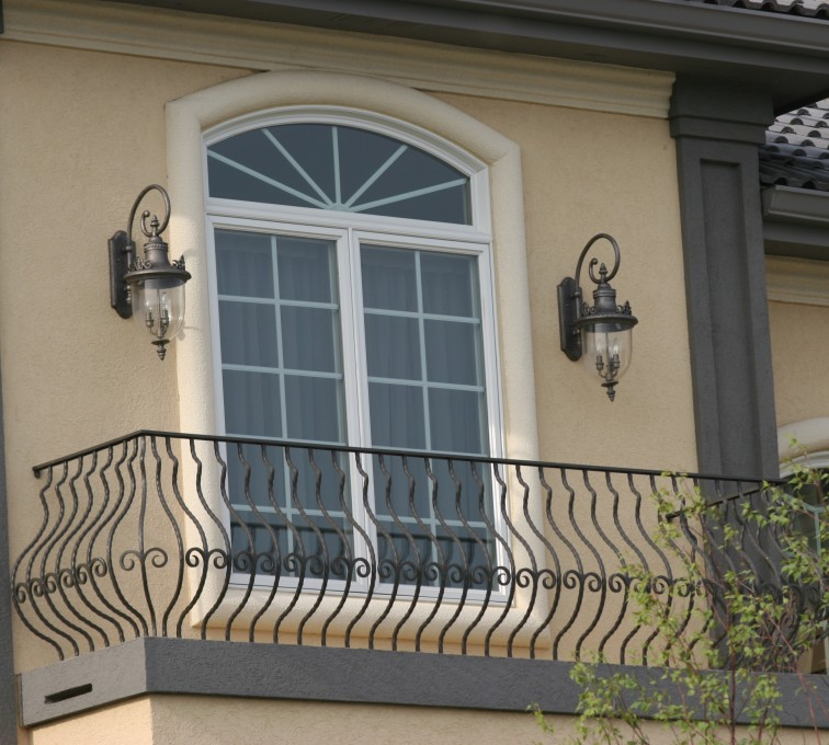 The American Fence Company - Custom Railing, 2200 Balcony handrail with pot belly pickets