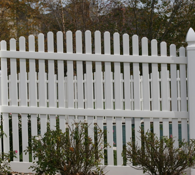 The American Fence Company - Vinyl Fencing, 560 Vinyl 6' arch over picket 2