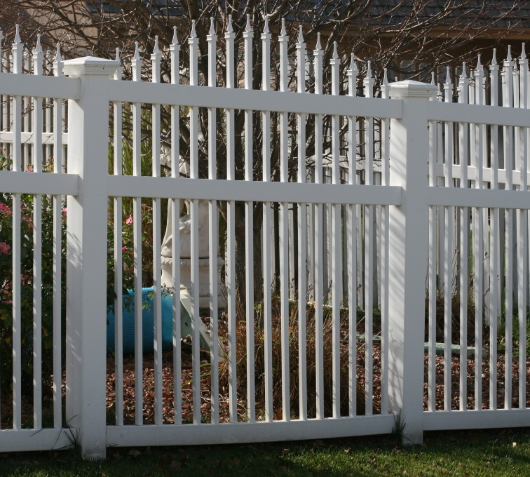 The American Fence Company - Vinyl Fencing, 562 Vinyl Ornamental Overscallop 6' Photo