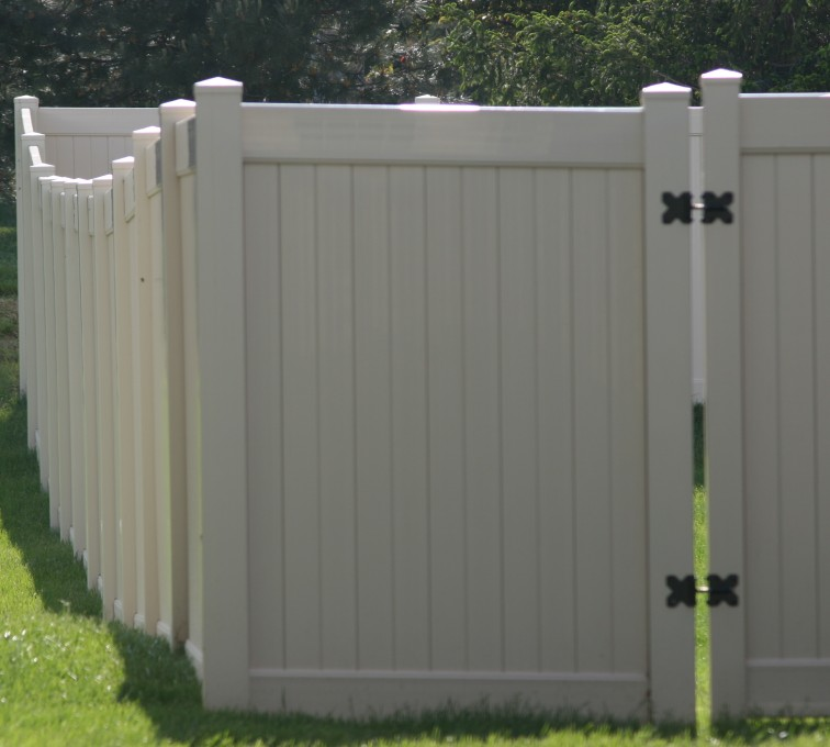 The American Fence Company - Vinyl Fencing, 6' solid privacy (621)