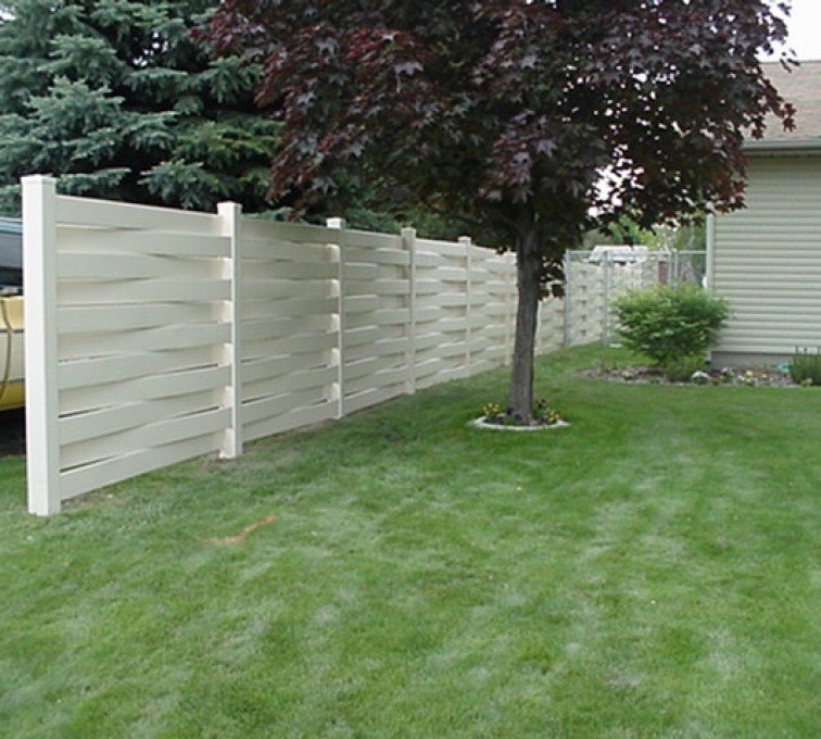 The American Fence Company, Vinyl Fencing, Basket Weave 751