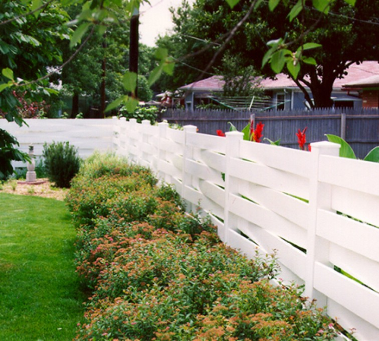 The American Fence Company, Vinyl Fencing, Basket Weave 753