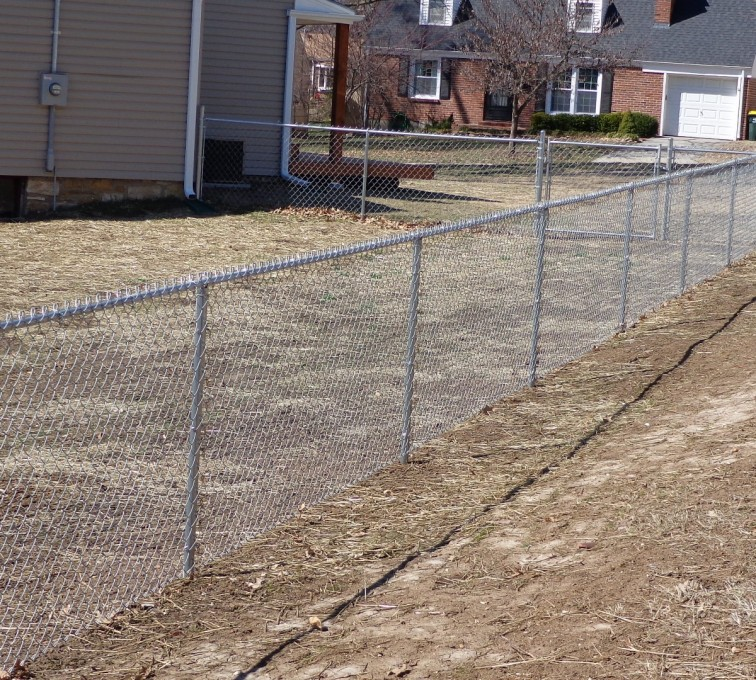 The American Fence Company - Chain Link Fencing, 4' Galvanized Chain Link - AFC-KC