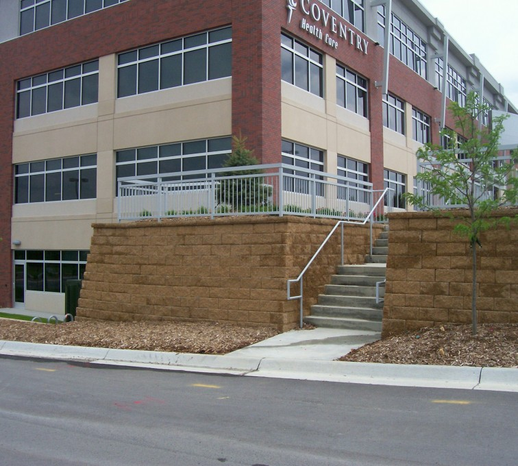 The American Fence Company - Custom Railing, Covnetry- 170th and Dodge - Omaha 1