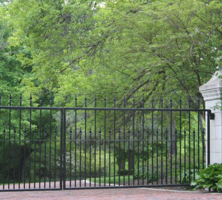The American Fence Company - Custom Gates, Estate Double Drive Gate With Alternating Pickets