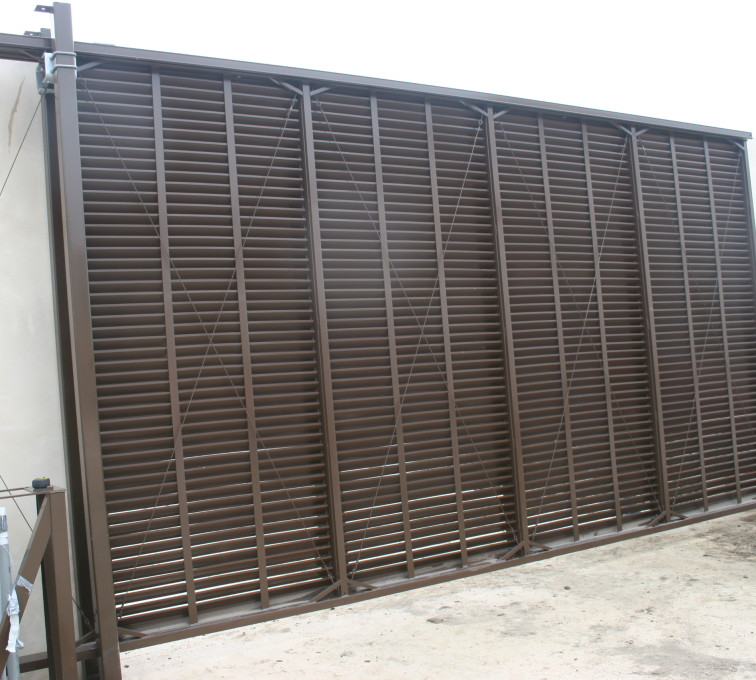 Mechanical equipment large slide gate