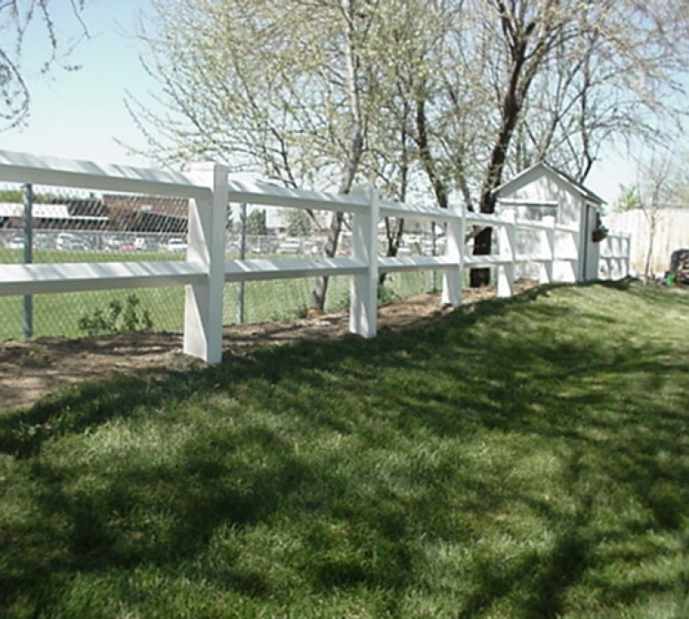 The American Fence Company - Vinyl Fencing, MVC-007F