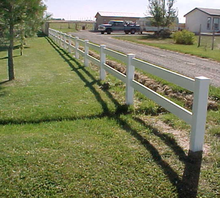 The American Fence Company - Vinyl Fencing, MVC-018S