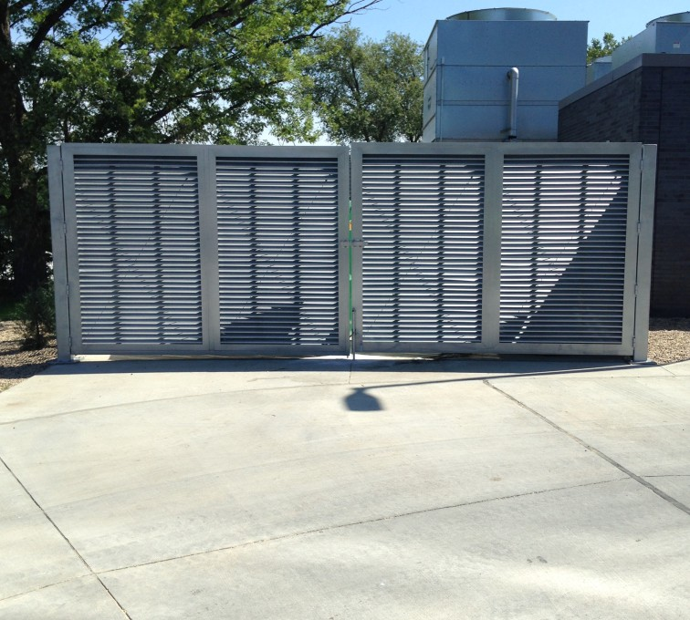 Louvered Screen System
