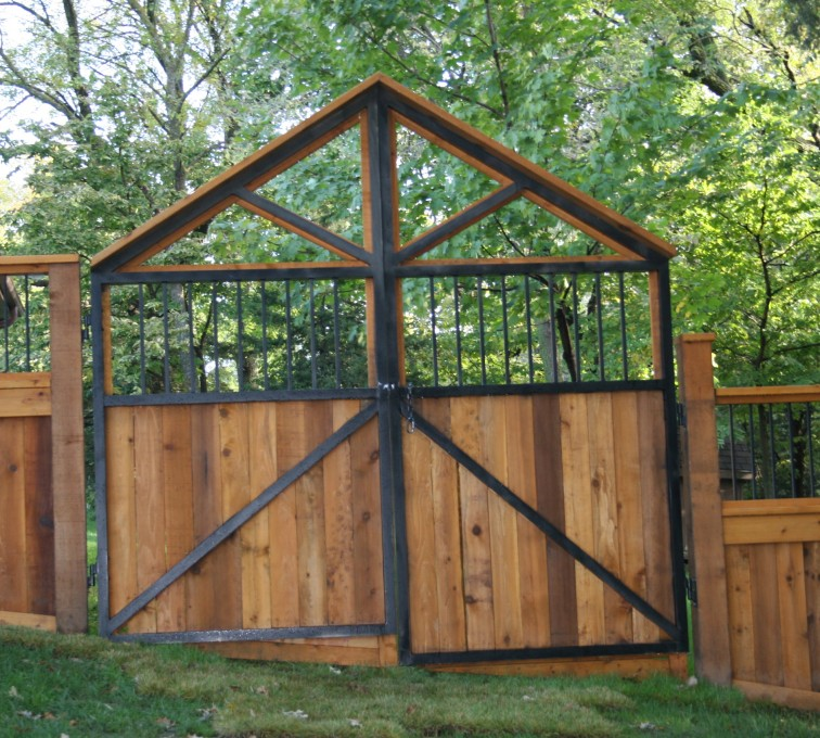 With an aluminum frame, you never have to worry about warping and rotting wood to ruin your gate.