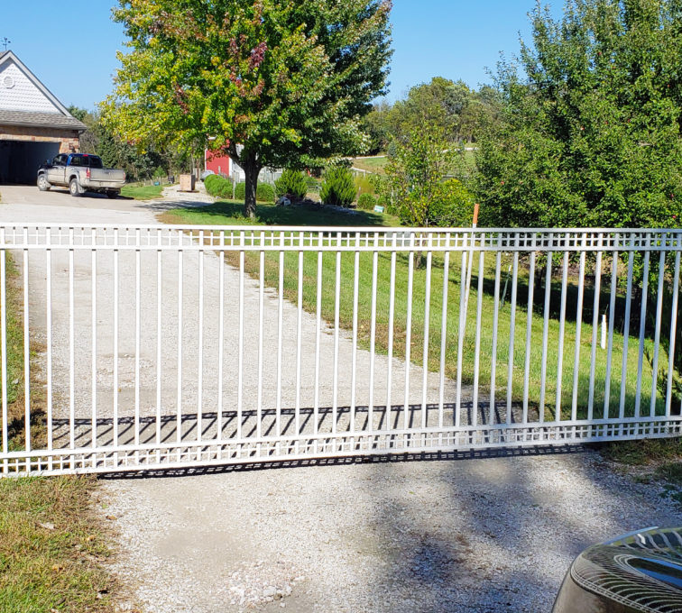 Custom White Decorative Residential Automatic Slide Gate