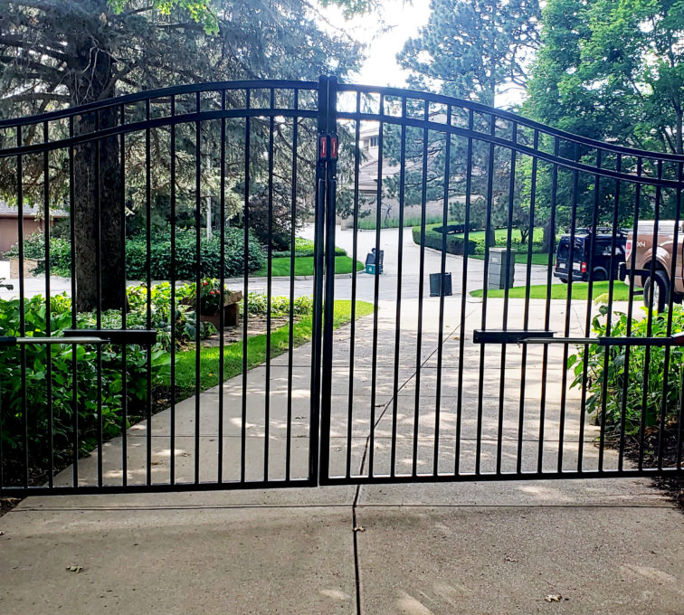 Automatic Decorative Swing Gate Residential Driveway