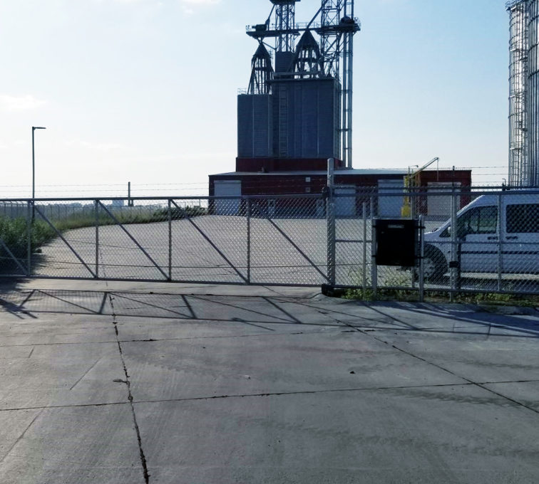 Chain Link Automated Cantilever Slide Gate Operator