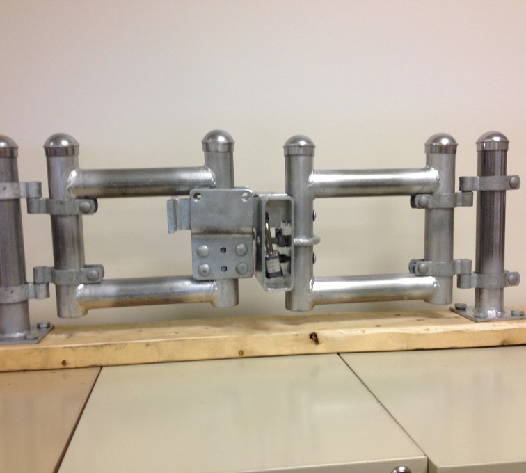 The non-removable non-cut anti-cut padlock gate latch