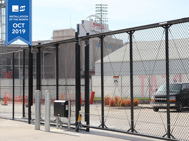 Sliding cantilever gate with SlideSmart HD25 gate operator